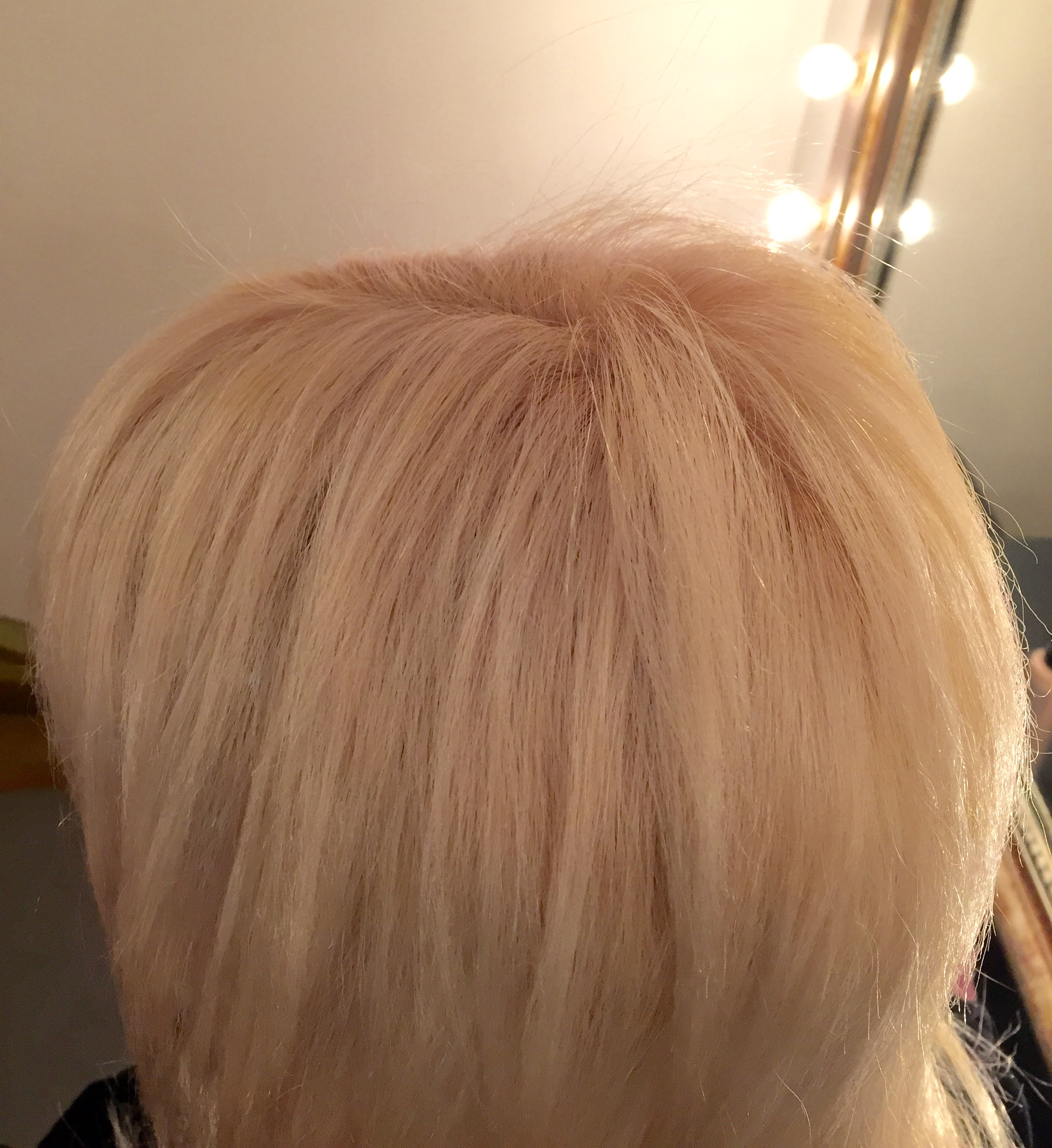 Coloration Blond platine